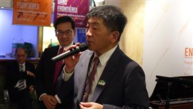 陳時中:紅色沙塵暴會過去 台灣會活過來台灣今年未受邀出席世界衛生大會,衛生福利部長陳時中19日表示,沒收到邀請,反而更應該來日內瓦發聲,相信總有一天「紅色沙塵暴」會過去,台灣會活過來。中央社記者戴雅真日內瓦攝 107年5月20日