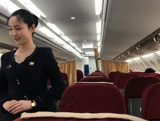 北韓出動「正妹空姐」服務外媒 「油炸鱉」登午宴菜單圖/翻攝自twitter