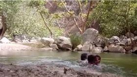 影/3男開心玩水自拍 卻意外錄下溺死過程 圖/翻攝自youtube