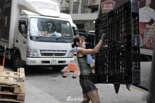 香港正妹搬運工朱芊佩(小珠)。(圖/翻攝新浪娛樂)