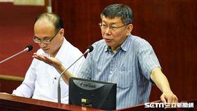 台北市長柯文哲出席總質詢。 (圖/記者林敬旻攝)