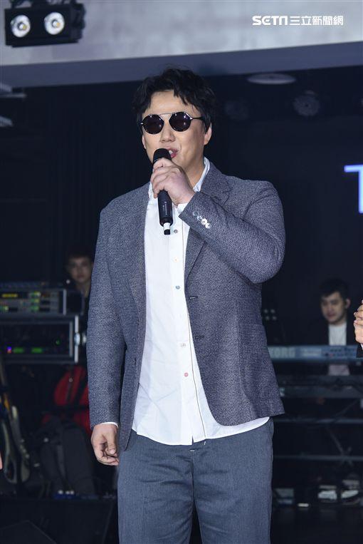 歌手袁婭維首度來台宣傳專輯,蕭煌奇驚喜站台助陣