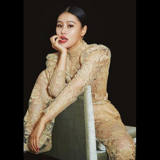 ▲袁婭維從大陸選秀節目《中國好聲音》、《我是歌手》出道。(圖/翻攝自IG)