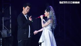 徐懷鈺個人首場大型演唱會開唱,任賢齊擔任嘉賓同台助陣