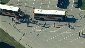 美國印地安那州校園槍擊2傷(圖/FOX 10 Phoenix推特)