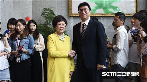 民進黨立委姚文智及前副總統呂秀蓮今(26日)針對北市政見進行辯論。(圖/記者林惟崧攝)