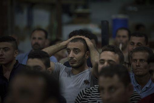 Mohamed Salah在歐冠的表現全埃及關注,受傷後埃及球迷難掩落寞。(圖/美聯社/達志影像)