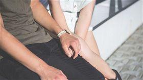 「想剝掉妳制服」…建築師偷情國小同學 慘賠40萬(圖/翻攝自Pixabay)