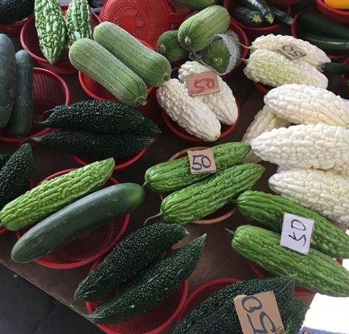 ▲一盤一盤50元的蔬菜,讓石田百合子直呼太便宜了。(圖/翻攝自IG)