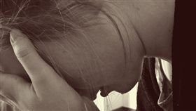 哭泣,絕望,憂鬱,煩惱,無助,圖/翻攝自Pixabay