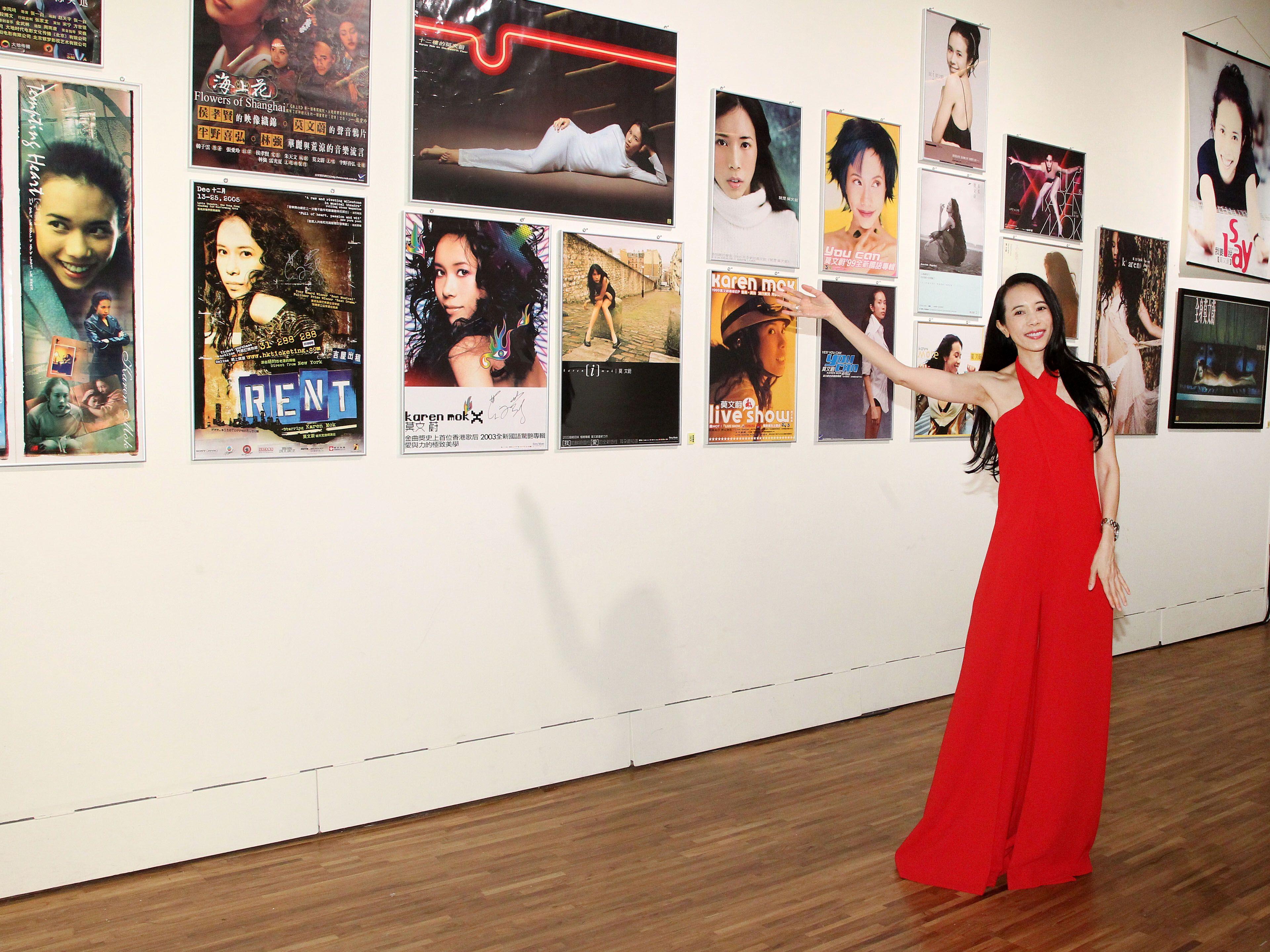 莫文蔚一身火紅褲裝出席「我們在中場相遇」新歌搶聽會。(記者邱榮吉/攝影)