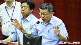 台北市長柯文哲出席市議會總質詢。 (圖/記者林敬旻攝)