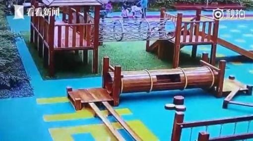 中國大陸,幼兒園,幼兒,吵鬧,酒瓶(圖/翻攝自微博)