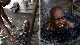 孟加拉,黑水,水溝,下水道,噁臭,排泄物,糞便(圖/翻攝自推特Tamer Yazar)