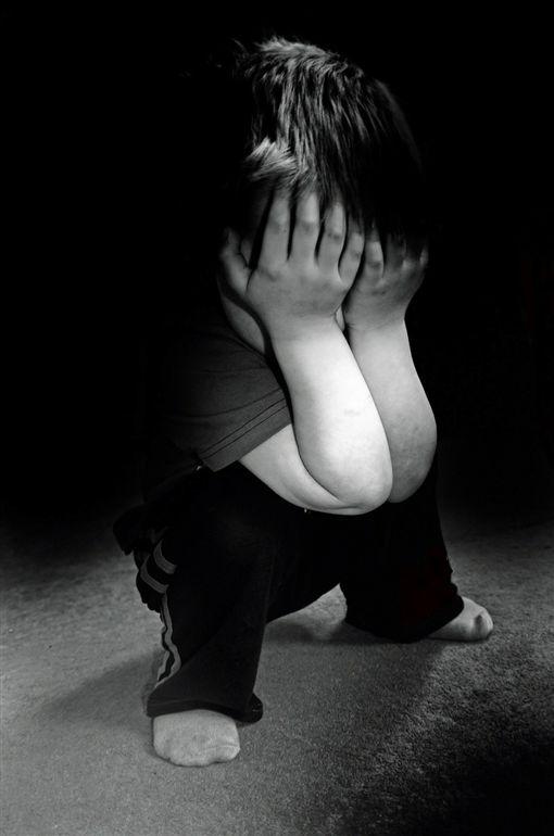 捷運打童事件引發攻擊 媽媽淚崩:自閉症不是神經病!(圖/翻攝自Pixabay)