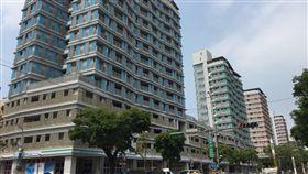 台北,健康公宅,瑕疵,張金鶚,抽油煙管,排水,插座,冷氣。呂品逸攝