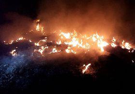 三峽資收業者違法燃燒廢棄物 當場遭查
