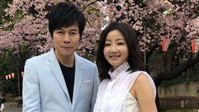 金曲歌王洪榮宏近日帶著愛妻「小鄧麗君」張瀞云(圖/華特音樂提供)