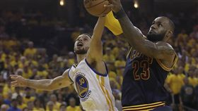 LeBron James與Stephen Curry(ap)