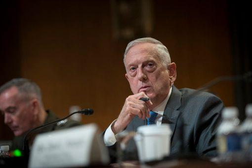 美國國防部長馬提斯抨擊中國在南海的軍事行動,強調反對改變台海現狀。(圖/翻攝推特)