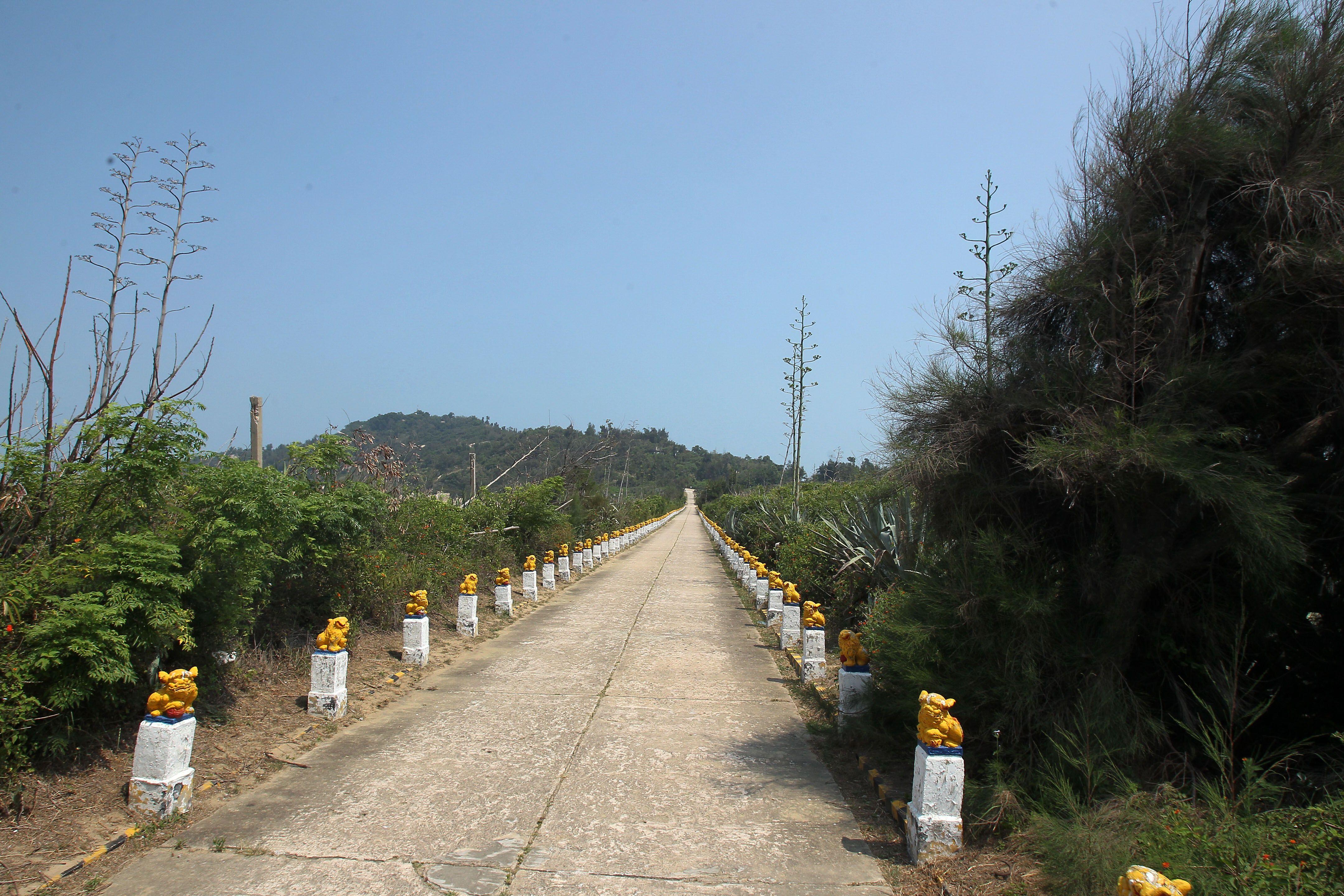 島上著名景點生明路。(記者邱榮吉/大膽島拍攝)