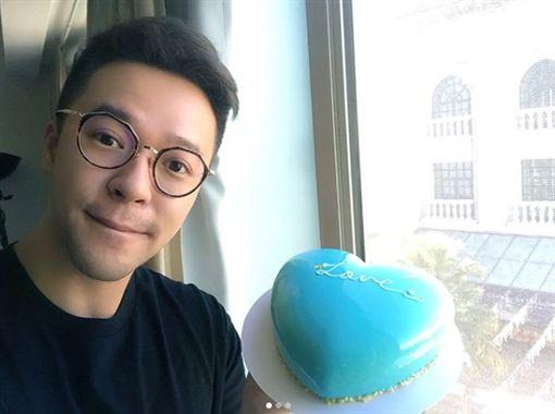 吳仲強,鏡面蛋糕,開店,男星,奧客,女主播