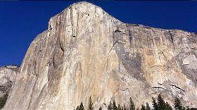 登加州酋長岩墜谷 美國兩攀岩客身亡(圖/翻攝自推特)