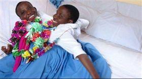 教書夢碎 坦尚尼亞連體姊妹過世(圖/翻攝自BBC)