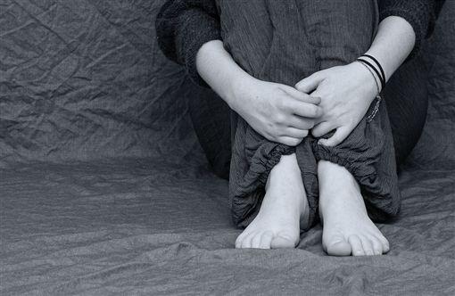 憂鬱,哭泣,沮喪(圖/翻攝自Pixabay)