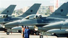 編號6685 失聯F-16 記者邱榮吉攝