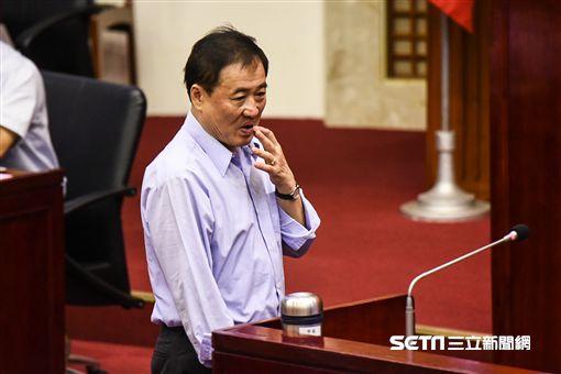 台北市副市長陳景峻出席市議會總質詢。 (圖/記者林敬旻攝)