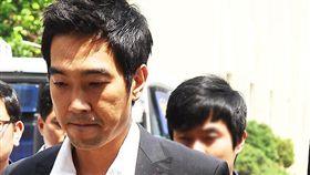 南韓混聲舞蹈組合「Roo'Ra」成員高英旭因性侵入獄。(翻攝推特)