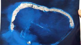 東海局勢未如南海緊張  共軍區別對待香港軍事專家宋忠平10日表示,中共空軍對南海明確使用戰巡,對東海使用警巡,說明東海的緊張態勢不及南海。圖為中央大學太遙中心透過衛星拍下的南海美濟礁填島造陸照片。(檔案照片)中央社  107年5月10日