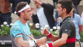 切奇納托(Marco Cecchinato)、喬科維奇(Novak Djokovic)(圖/翻攝自推特)