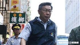 萬安演習,大樓內民眾配合警消救災疏散,台北市長柯文哲前往視導。 (圖/記者林敬旻攝)