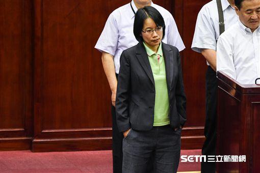 北農總經理吳音寧市議會備詢。 (圖/記者林敬旻攝)