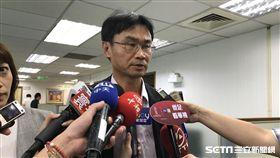 農委會副主委陳仲吉表示,吳音寧做得比韓國瑜好,面對質疑,把歷任總經理的業務費用攤開來,社會自有公評。(圖/記者林惟崧攝)