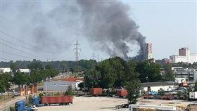 0606法國穀倉爆炸(圖/翻攝自twitter@aureliethev)