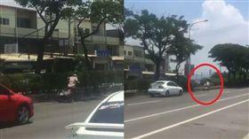 阿婆豔陽下騎三輪車回家,不知自己闖入快車道,遇好心駕駛護駕擋車。(圖/翻攝花壇人俱樂部臉書)