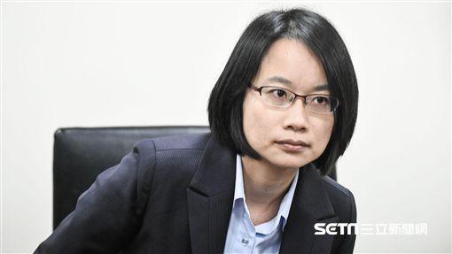 北農總經理吳音寧出面說明。 (圖/記者林敬旻攝)