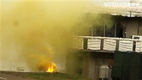 台中清泉崗基地執行漢光34號演習「聯合反空(機)降作戰演練」 火燒目標區 記者邱榮吉攝