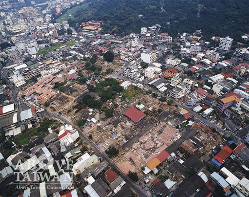 齊柏林,台中1999年霧峰林家花園921大地震後/台灣