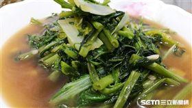 林口長庚臨床毒物中心主任顏宗海表示,儘管蔬菜富含硝酸鹽,但蔬菜經過適當的水洗與烹煮後,多數的硝酸鹽會被移除。(圖/記者楊晴雯攝)