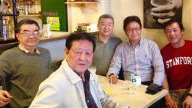 ▲資深體育媒體人蘇嘉祥2016年與郭幕儀、馮同瑜、傅達仁。(圖/取自蘇嘉祥臉書)
