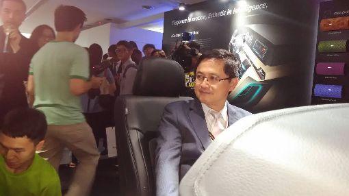 和碩年度創新發表會 秀人工智慧和碩聯合科技8日舉行年度創新發表會,董事長童子賢親自展示人工智慧、機器人、擴增實境、人工智慧物聯網。中央社記者潘智義攝 107年6月8日