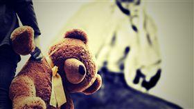 性侵,猥褻,虐童,戀童癖,家暴,小孩,獸父,狼父(示意圖/Pixabay)