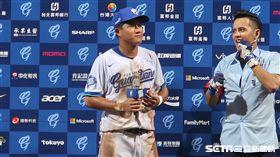 富邦悍將于孟馗生涯首度獲得單場MVP。(圖/記者王怡翔攝)