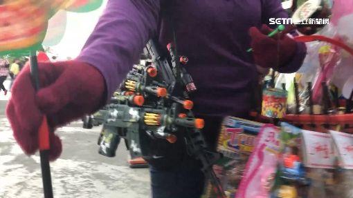 強推銷?攤販「送玩具」變要錢 嚇哭小孩
