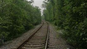南京「愛情隧道」,鐵路 圖/翻攝自江寧公安在線微博