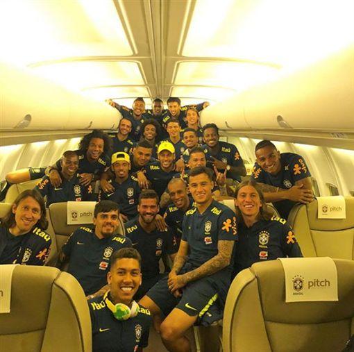 ▲巴西搭上專機啟程赴俄羅斯。(圖/Neymar IG)